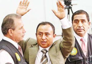 Gregorio Santos. sigue  en celda
